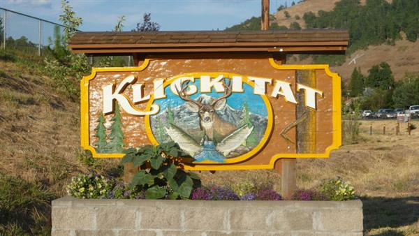 Klickitat Welcome Sign